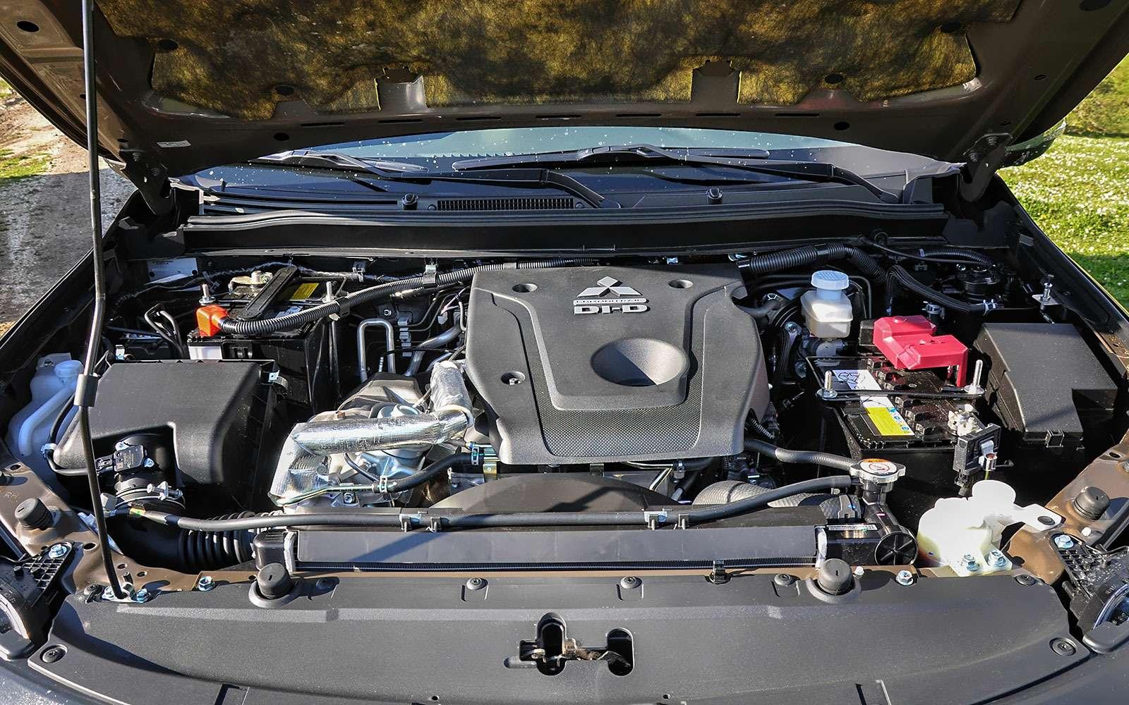 Mitsubishi Pajero Sport сдизельным двигателем