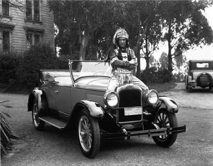1927-Pontiac-and-indian