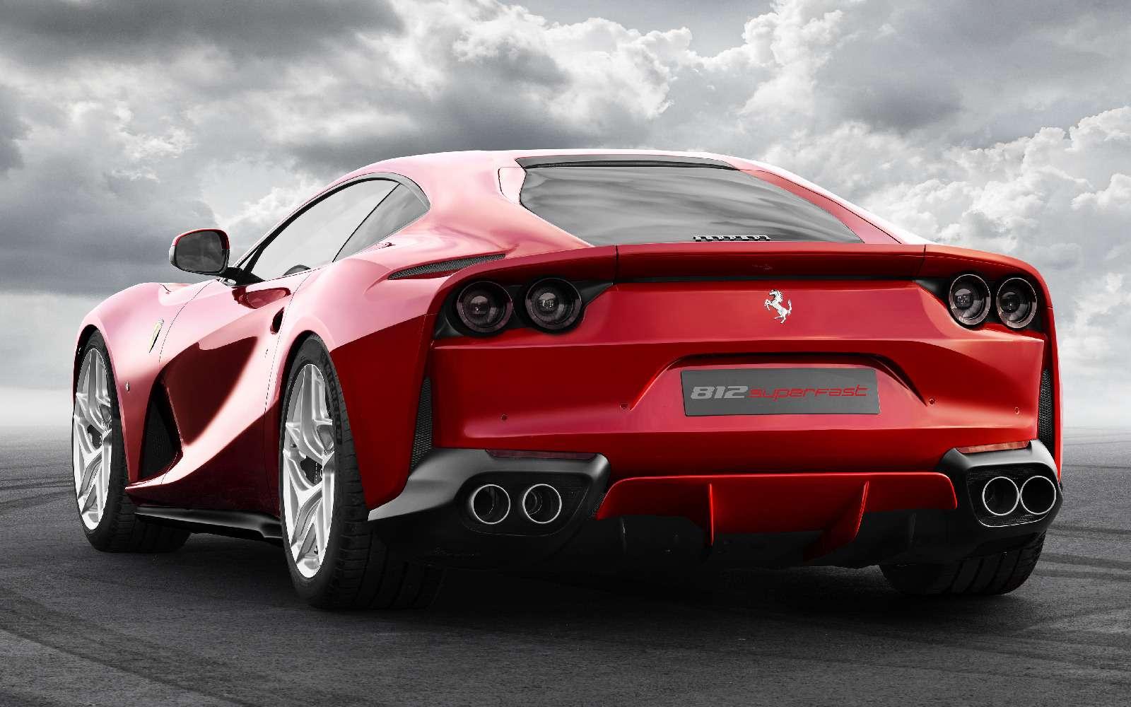 Ferrari 812 Superfast: неземная красота иатмосферная мощь— фото 708445