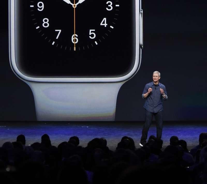 Apple пока уклоняется откомментариев опокупке Tesla