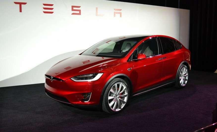 2016-Tesla-Model-X-102-876x535