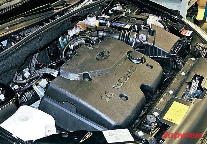 Моторный отсек «Гранты Спорт» ничем не отличается оттакового усерийной машины.