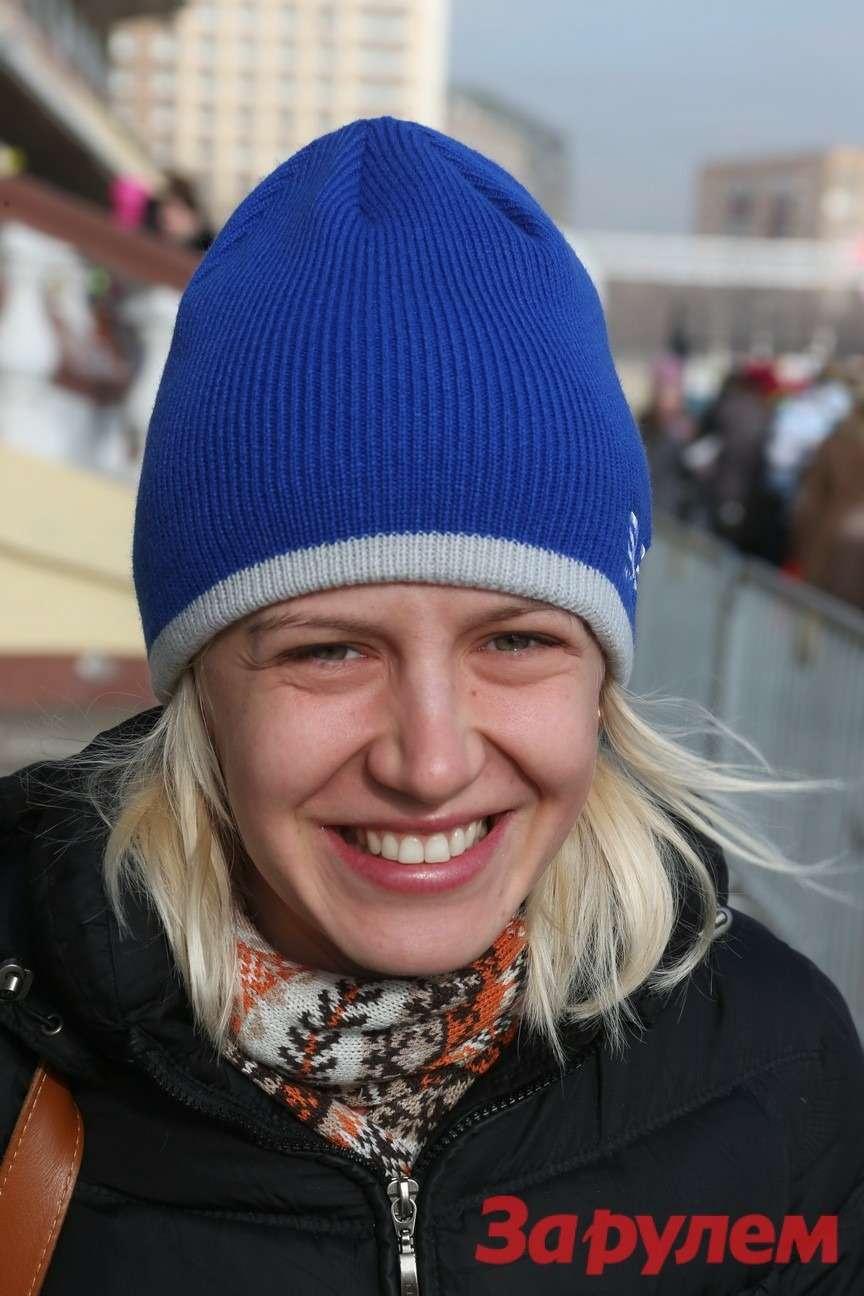 Светлана Лисицына, руководитель департамента посвязям собщественностью компании «Субару Мотор». Гонка Звезд «Зарулем»-2013