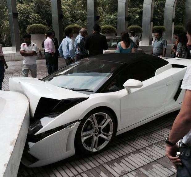 Парковщик отеля разбил Lamborghini Gallardo Spyder на335000 долларов