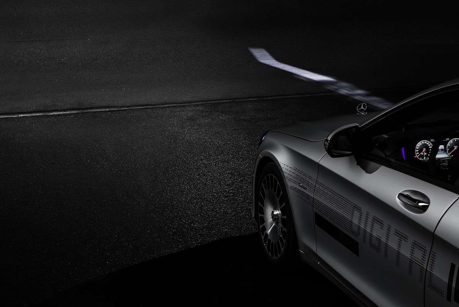 «Ярисую наасфальте»: Mercedes-Maybach представил уникальные фары— фото 851495