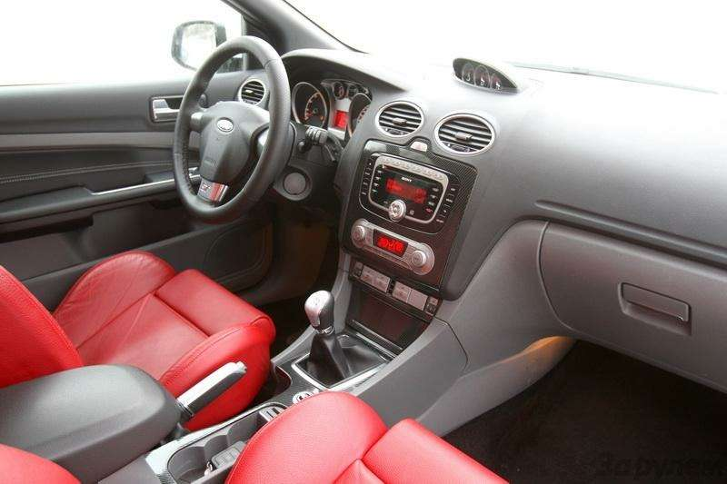 Seat Leon Cupra, Ford Focus ST: Надва лица (ВИДЕО)— фото 92025