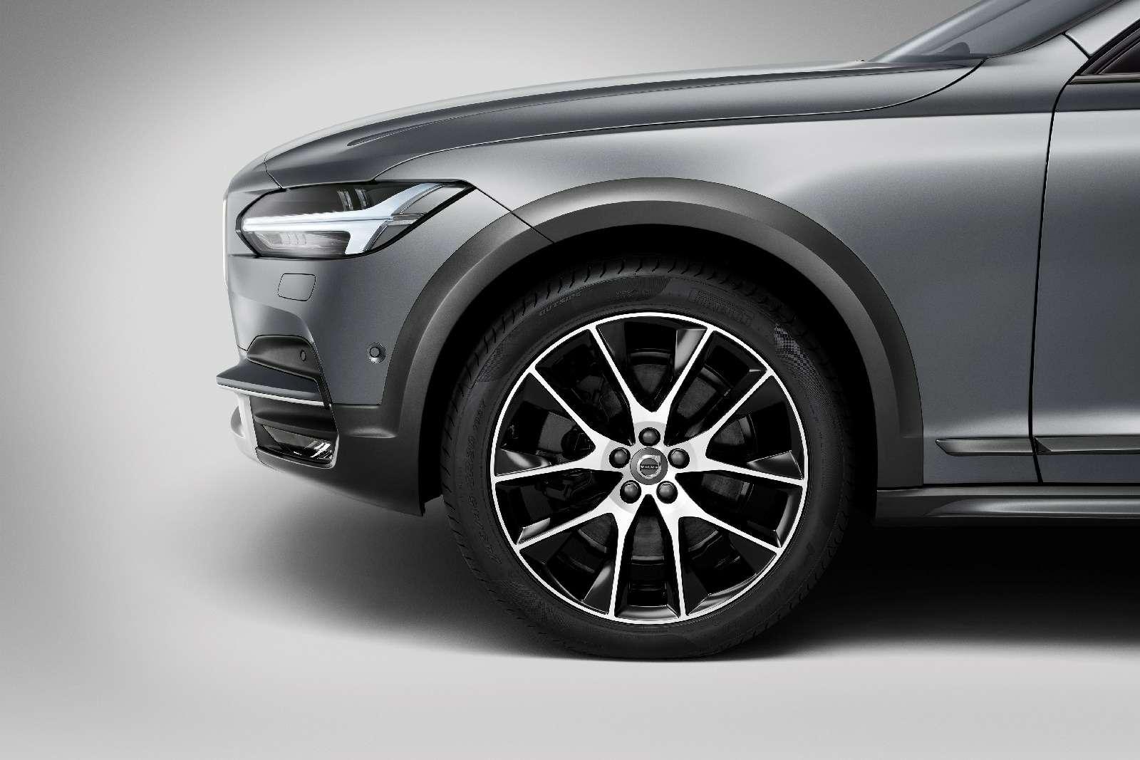 Такой «сарай» нам нужен: Volvo V90 Cross Country представлен официально— фото 635259