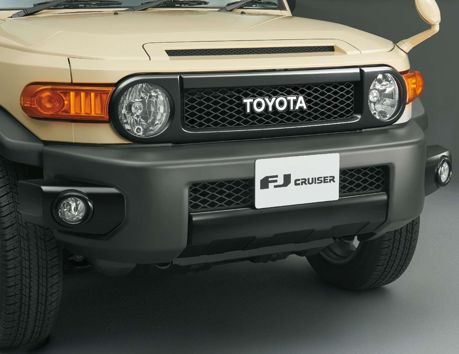 Toyota прощается слюбимым внедорожником Артемия Лебедева— фото 794263