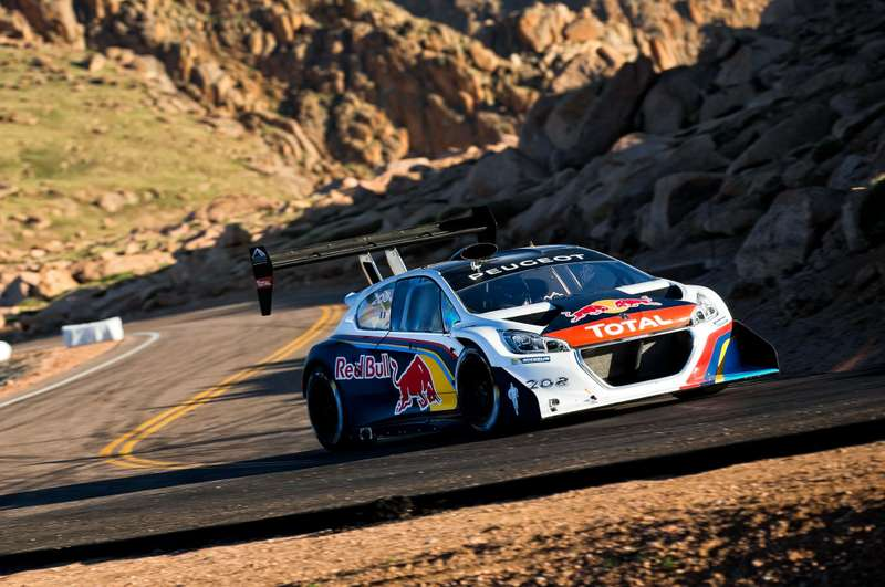 no_copyright_Peugeot-208-Unlimited-Sebastien-Loeb-Pikes-Peak