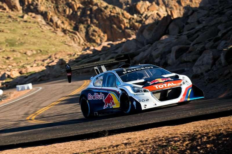 no_copyright_Peugeot-208-Unlimited-Sebastien-Loeb-Pikes-Peak