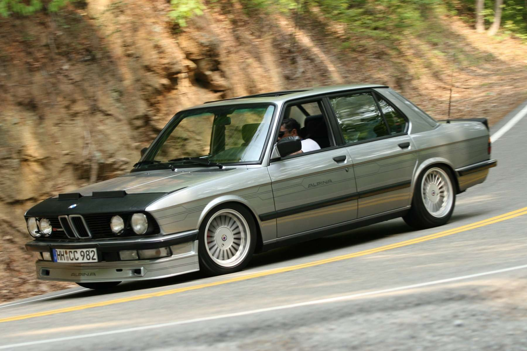 «Биммер» мечты: уникальная Alpina B7Turbo поцене нового BMW— фото 739725