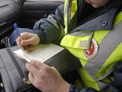 В Марий Элзавзятки разом уволили 17инспекторов ДПС