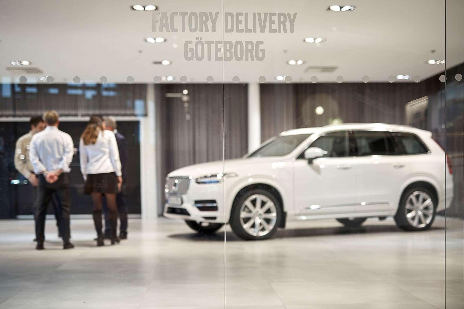 Volvo тестирует беспилотники нашведских семьях— фото 826338
