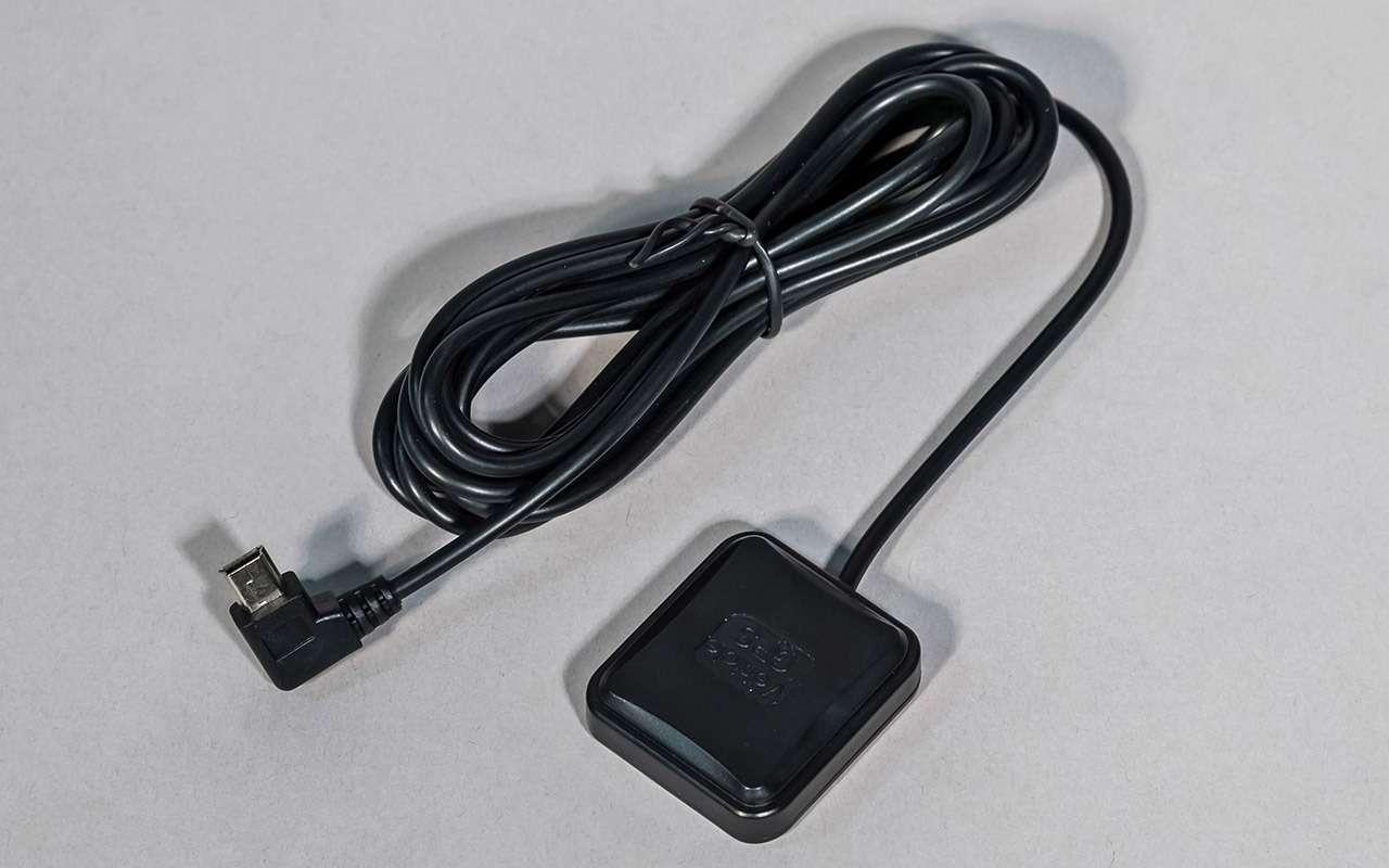 Классический или ввиде зеркала— какой видеорегистратор срадар-детектором лучше— фото 966784