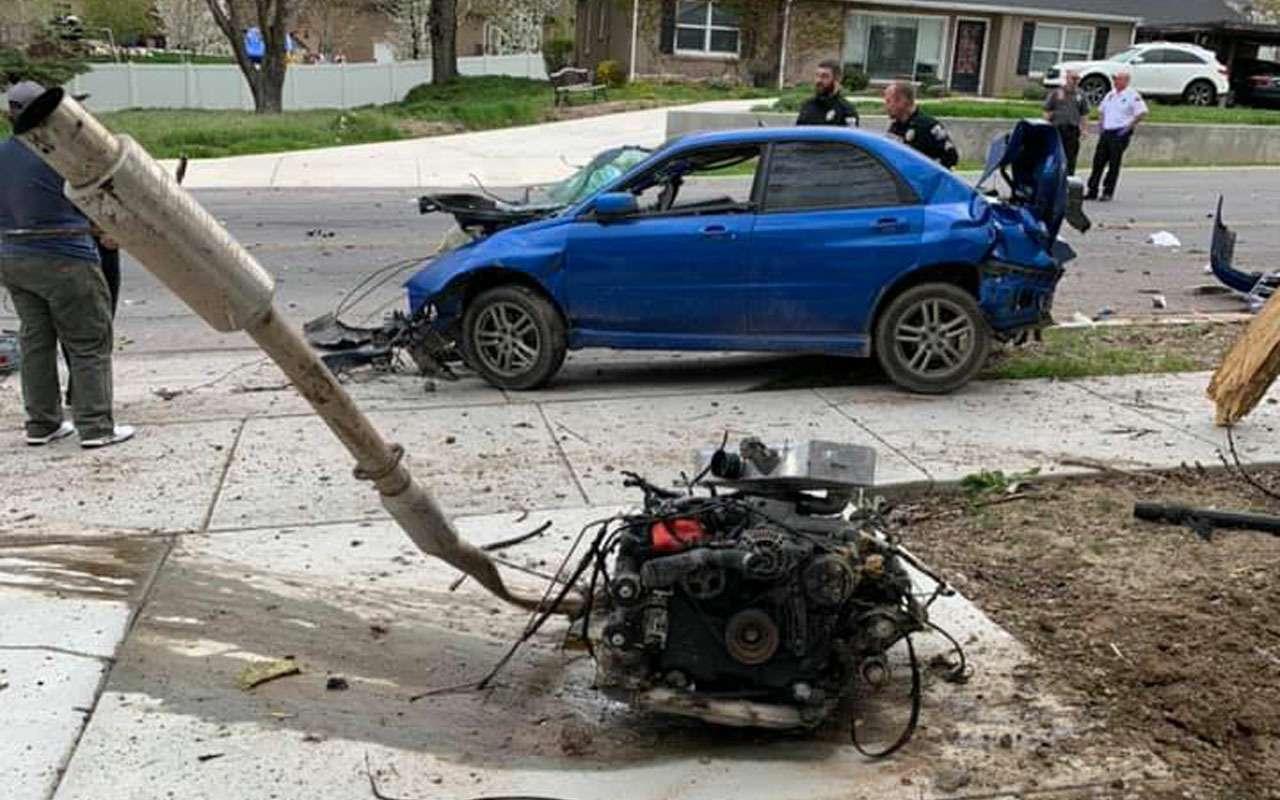 Вотэто авария: водитель, двигатель икоробка вылетели изавто— фото 970971