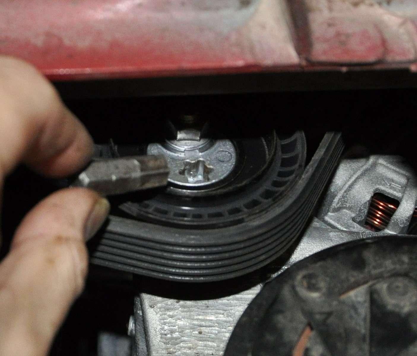 Lada Vesta: проверка изамена ремня привода вспомогательных агрегатов— фото 568597