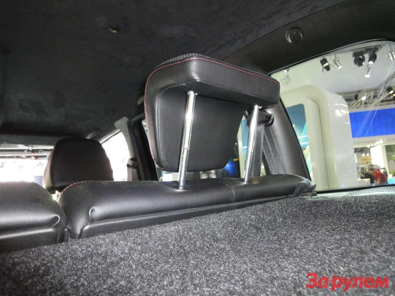 Chevrolet Niva вкомплектации Limited Edition подголовники второго ряда