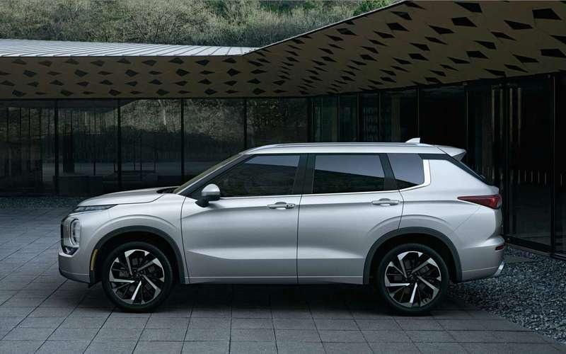 Mitsubishi назвала стоимость нового Outlander
