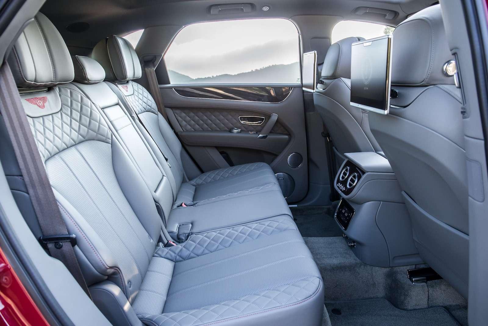 Bentley Bentayga Diesel: 4,8до сотни— самая медленная версия!— фото 884138