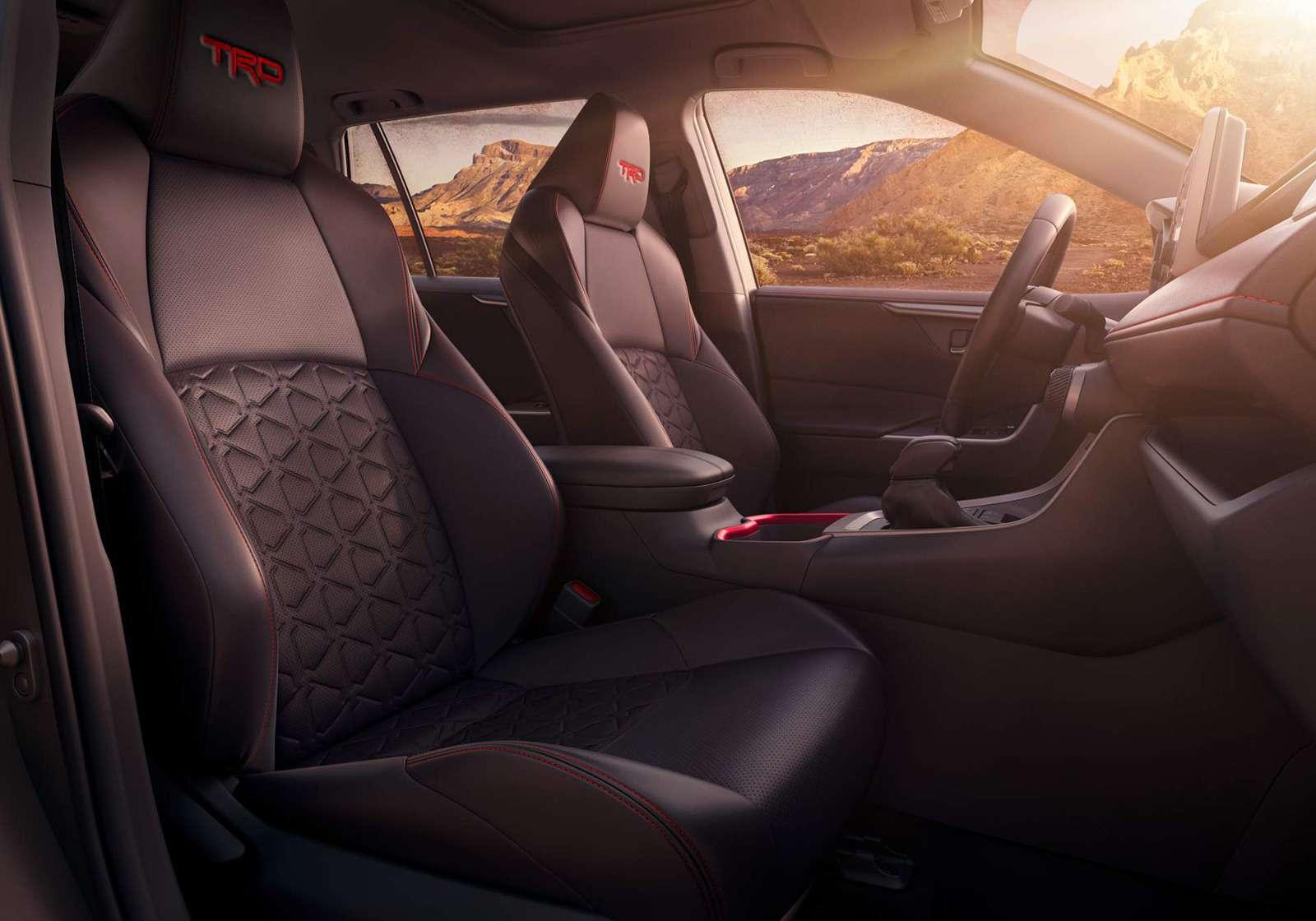 Toyota RAV4 превратили вовнедорожник— фото 947352