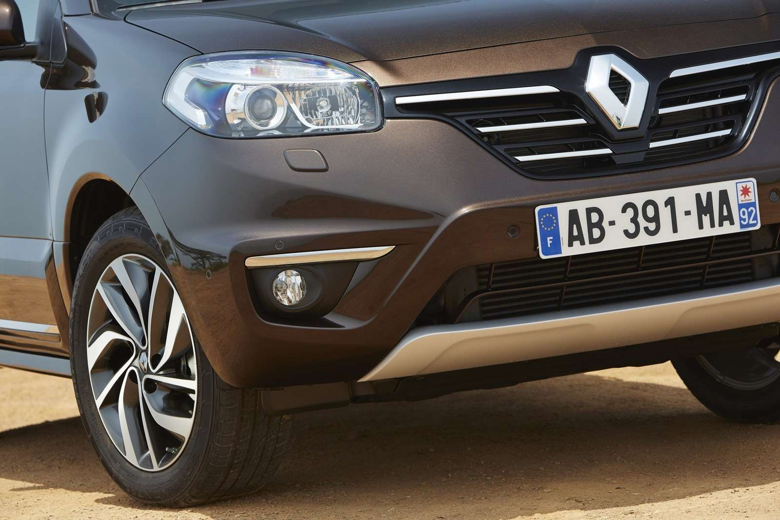 no copyright Renault Koleos 2