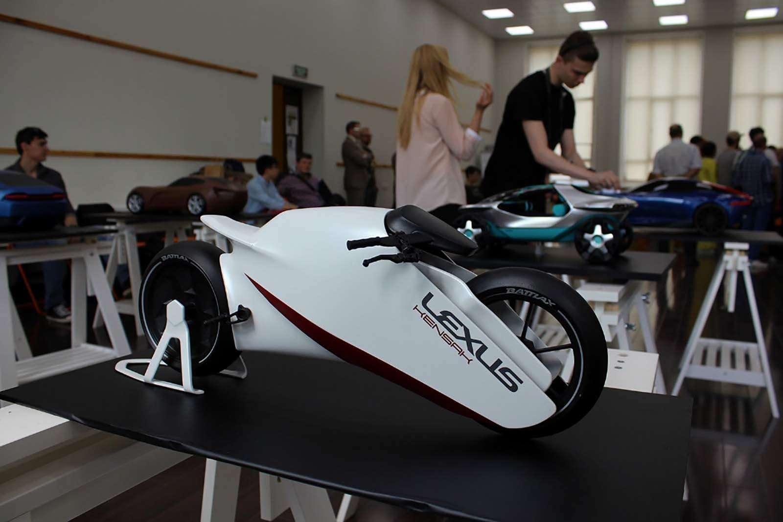 Фестиваль новых технологий: Летающая Лада, Стивен Сигал иэлектромобили