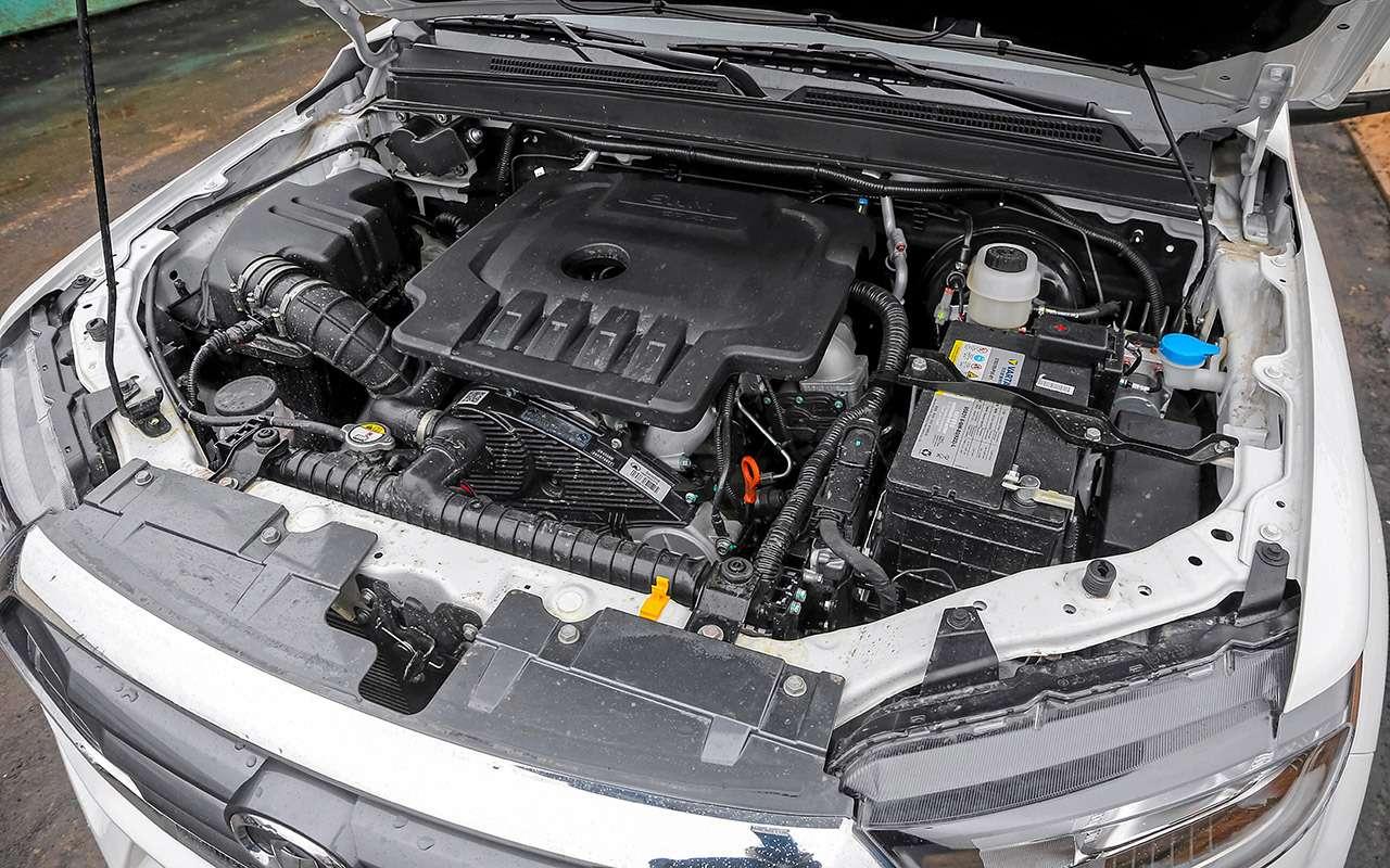 Сравнили пикапы: Mitsubishi L200и большого «китайца»— фото 1223946