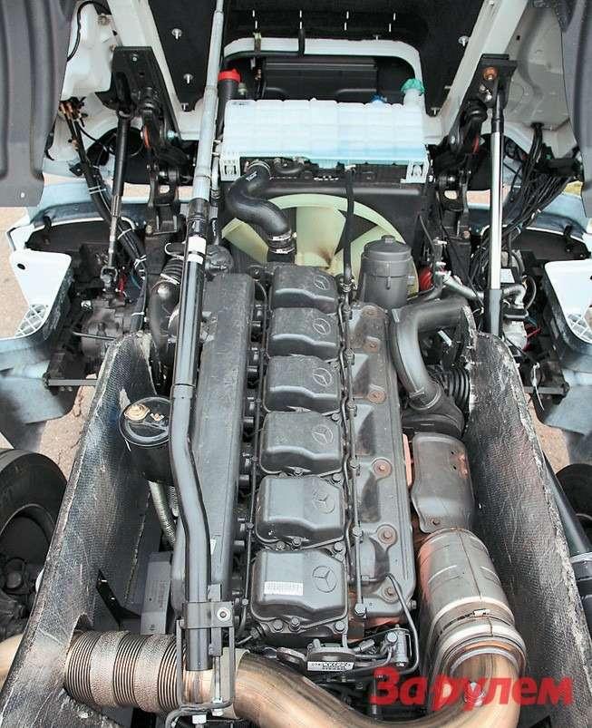 Подбелой кабиной Mercedes Axor сто- итмотор OM457 мощностью 428л. с.