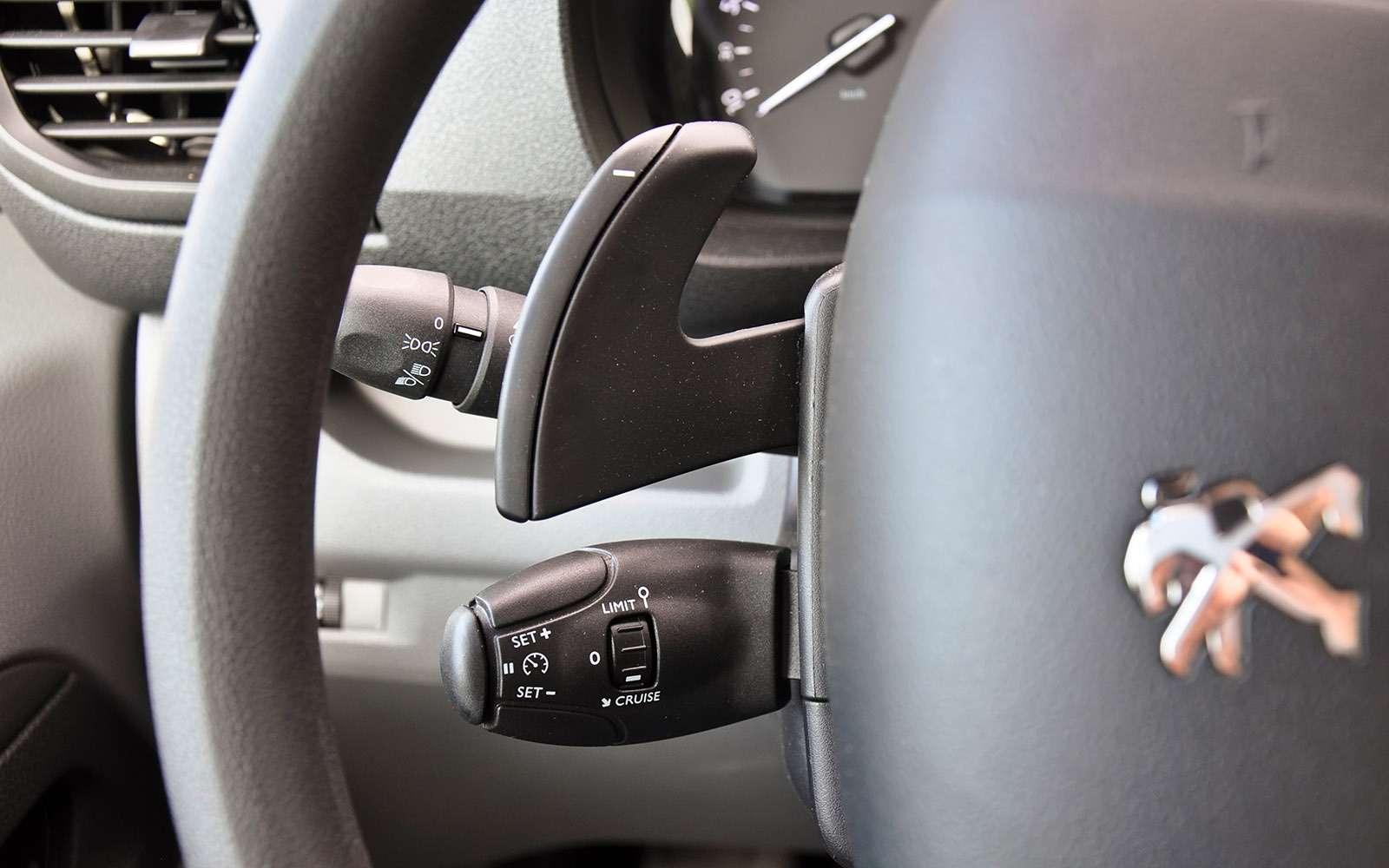 Фургоны Citroen Jumpy иPeugeot Expert: вся разница— вшильдиках— фото 769523