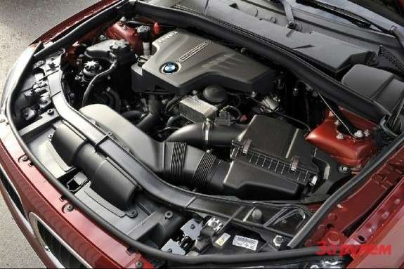 BMW 4-cylinder 2.0-liter engine with TwinPower Turbo technology