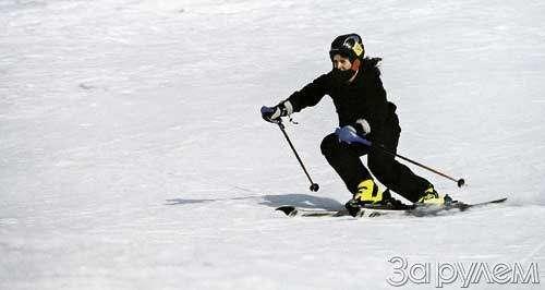 Лыжи накрыше лежат— фото 32343