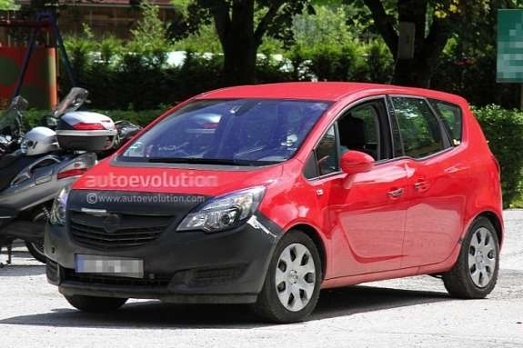 Facelifted Opel Meriva test prototype side-front view