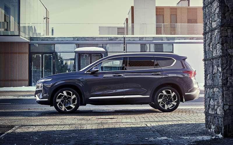 Наобновленный Hyundai Santa Feназвали все цены