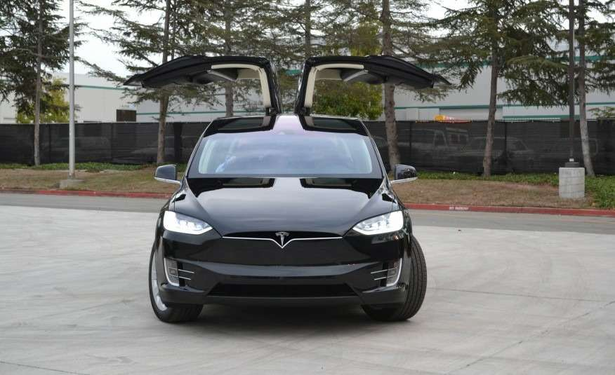 2016-Tesla-Model-X-118-876x535