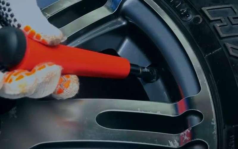 Как поменять вентиль, неснимая шину— простой способ