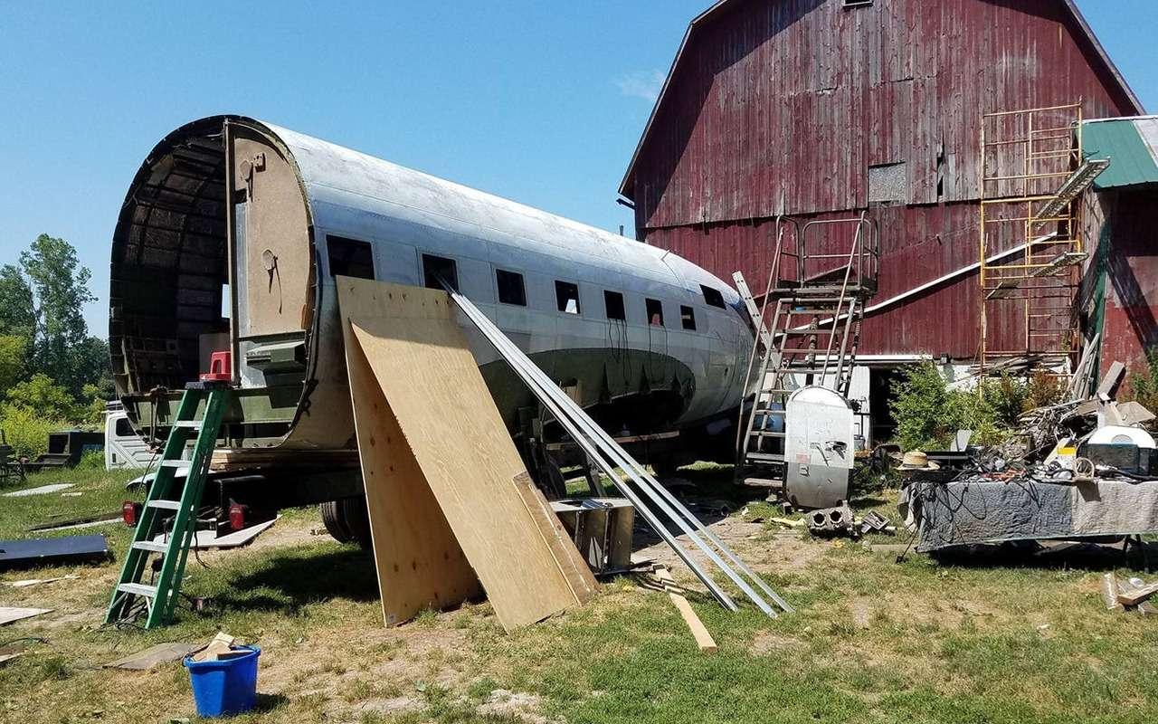 Бывший летчик переоборудовал самолет вдом наколесах— фото 1253085