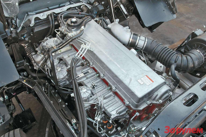 Конструктивно двигатель Hino ближе всего кдизелям Volvo. Здесь распредвал  тоже расположен вголовке, нотопливная система современнее— Common Rail