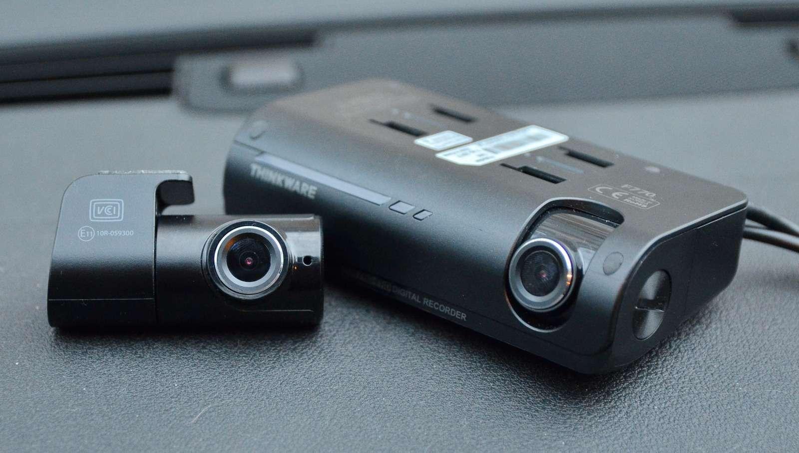 Супертест двухкамерных видеорегистраторов Full HD— фото 838402