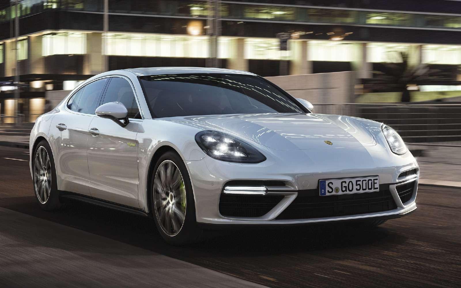Хочешь «пульнуть»— ищи розетку: флагманский Porsche стал гибридом— фото 713300