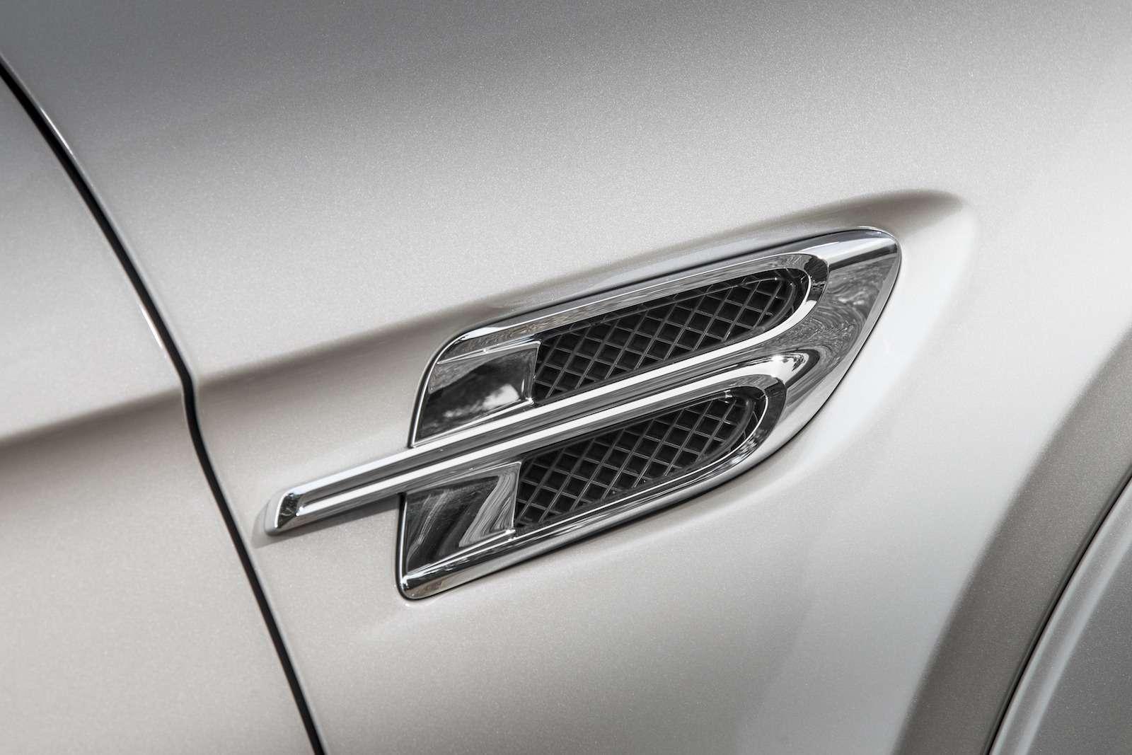 Bentley Bentayga Diesel: 4,8до сотни— самая медленная версия!— фото 884154