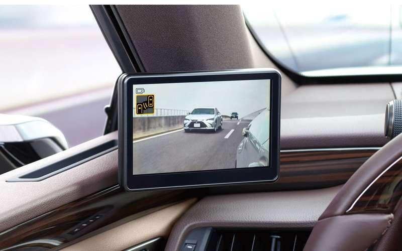 Lexus начал продажи седана с камерами вместо зеркал