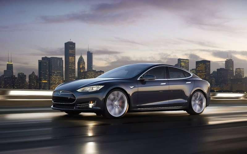 Колыбель автопилота: водитель Tesla Model Sуснул зарулем