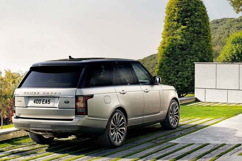 New Land Rover Range Rover side-rear view 2_no_copyright