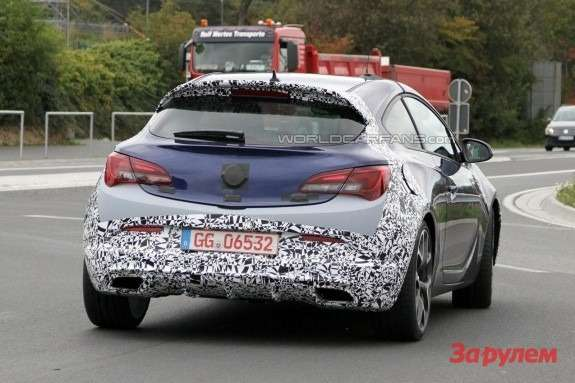 Opel Astra OPC rear view