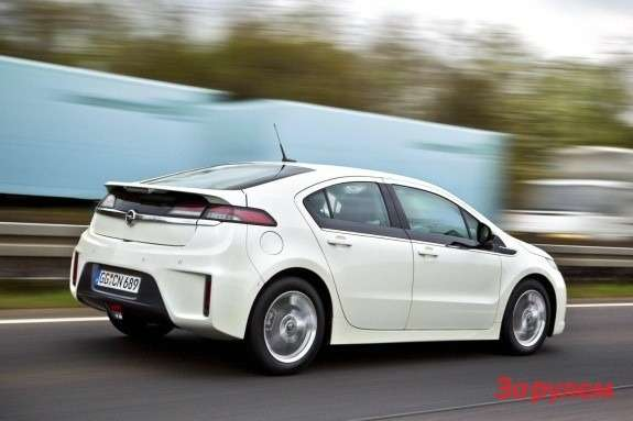 Opel Ampera side-rear view