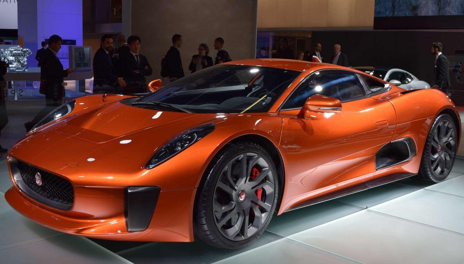 Jaguar Land Rover показал автомобили изнового фильма оДжеймсе Бонде— фото 390915