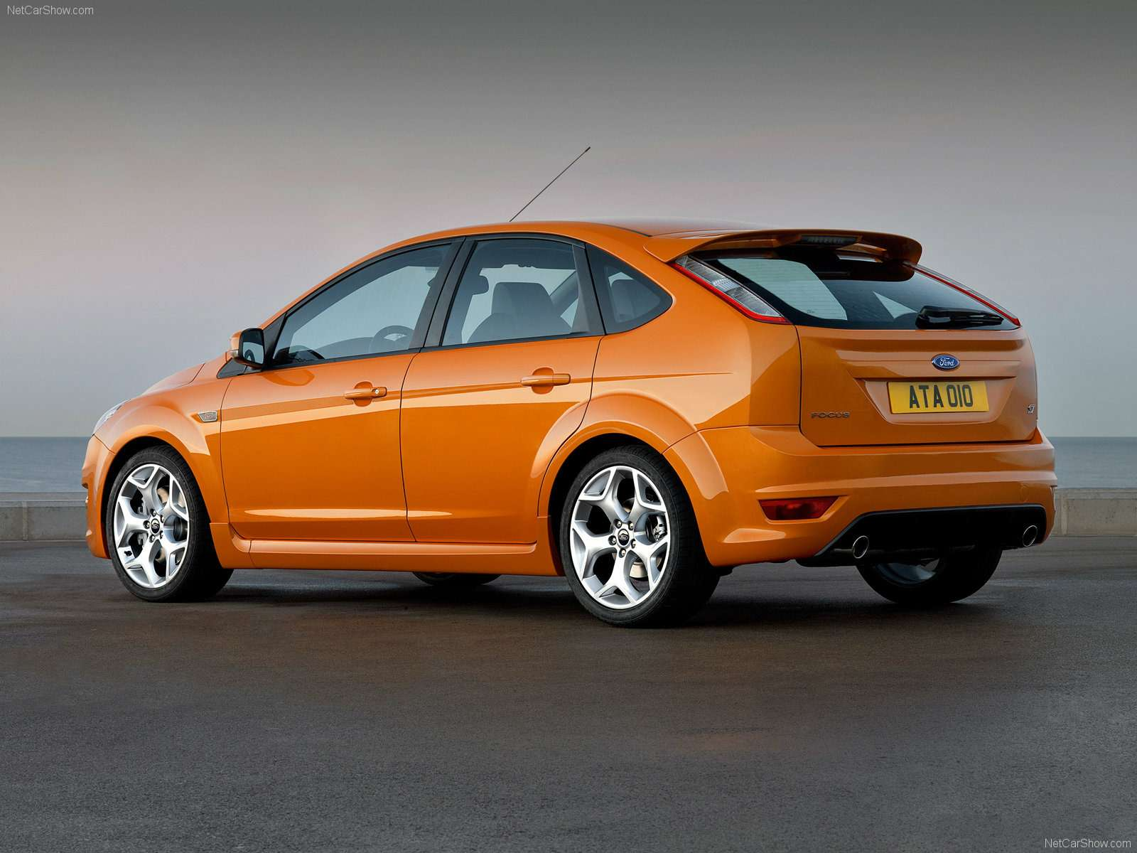 Ford-Focus_ST_2008_1600x1200_wallpaper_09