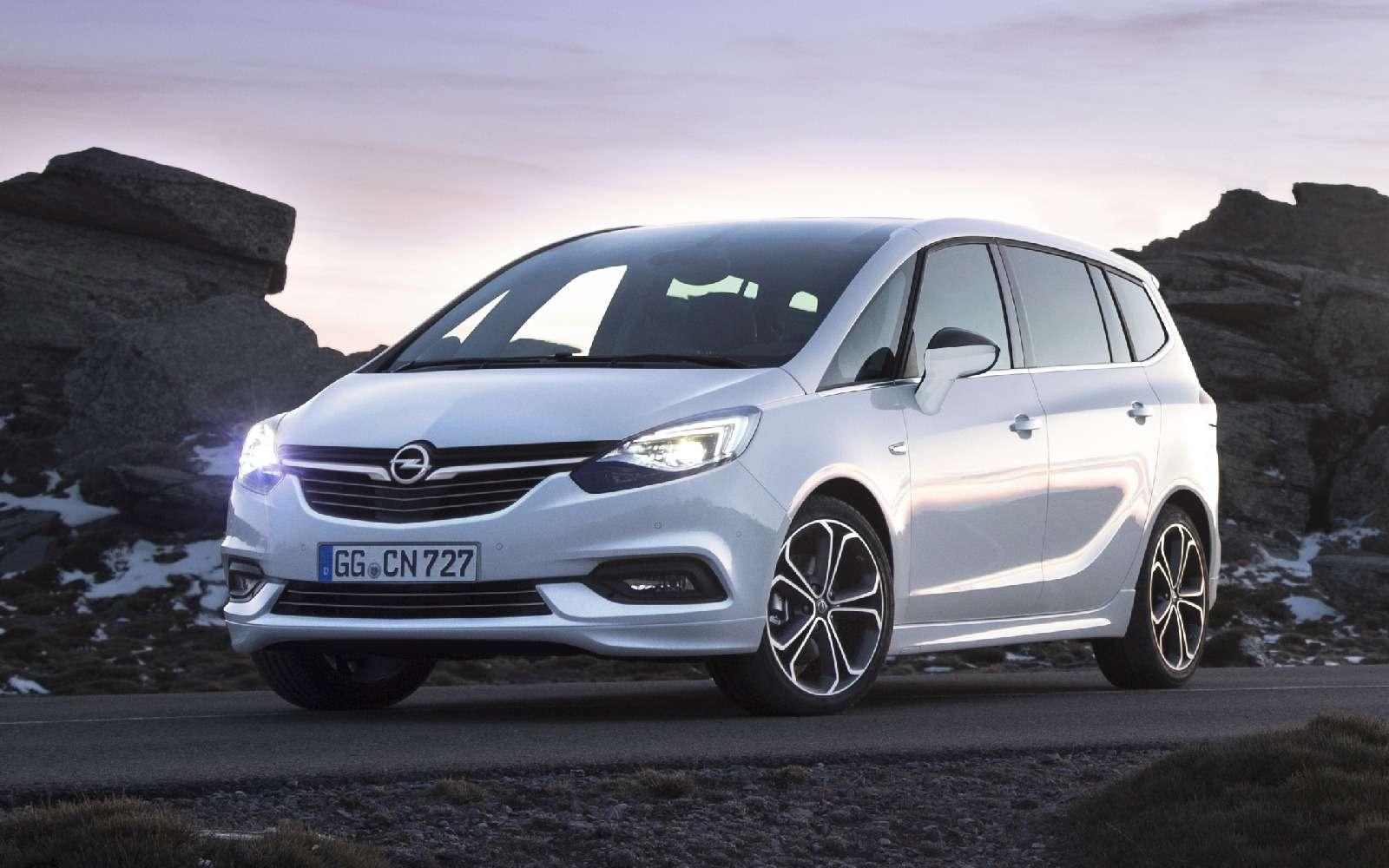 Обновленный компактвэн Opel Zafira представлен официально— фото 593690