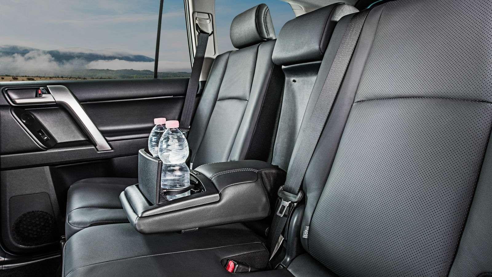 Обновленный Toyota Land Cruiser Prado подорожал: цены икомплектации— фото 806259
