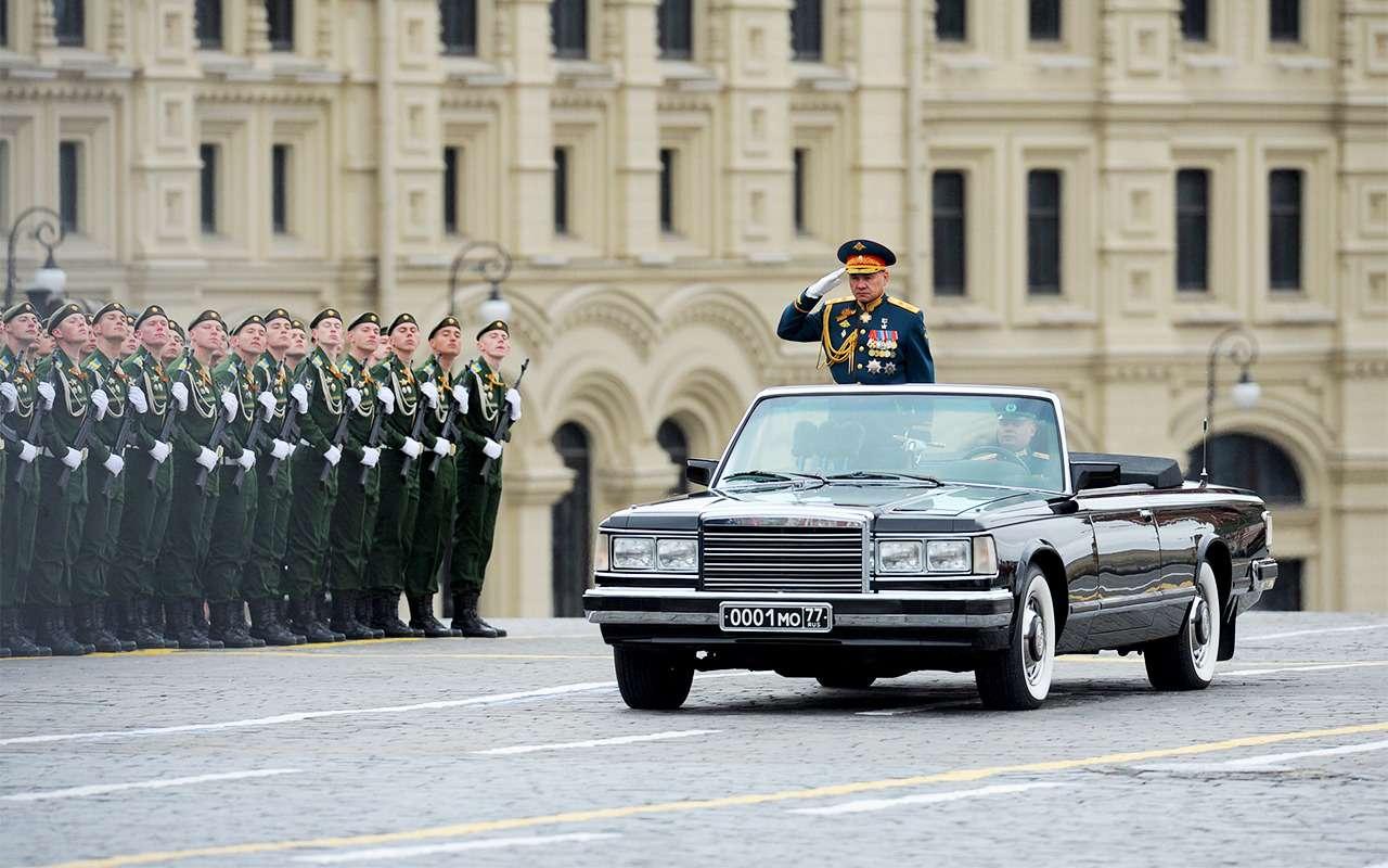 Главный автомобиль Парада Победы: кабриолет Шойгу— фото 864396